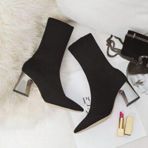 מגפיים לנשים