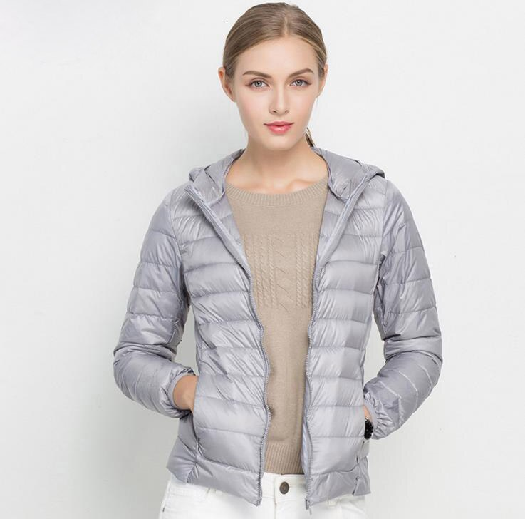 Winter Women Ultra Light Down Jacket 90% White Duck Down Hooded Jackets Warm Coat Parka Female Portable Outwear Windbreaker